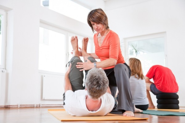 Pilates protocol to rehabilitate clients after knee and hip replacements